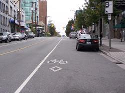 Bike_and_parking_lane